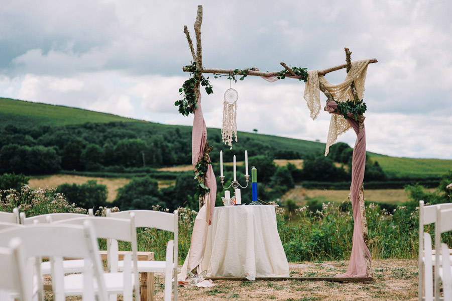 Relaxed 'good life' wedding blog with an outdoor ceremony on a farm, images by Special Day Wedding Photos (2)