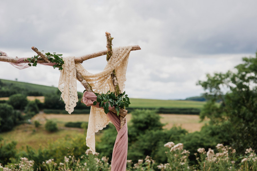 Relaxed 'good life' wedding blog with an outdoor ceremony on a farm, images by Special Day Wedding Photos (3)