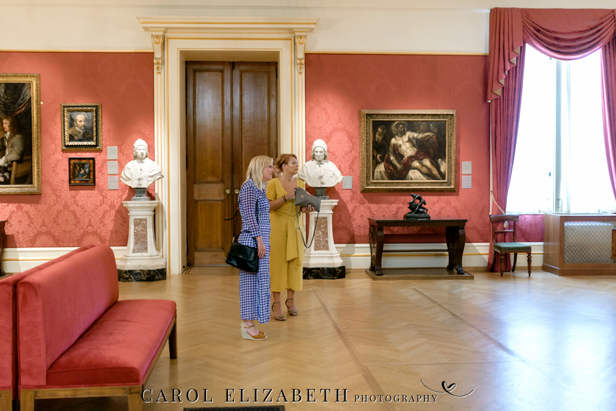 See the Ashmolean museum transformed for a unique wedding celebration with images by Carol Elizabeth Photography (4)
