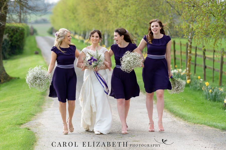 Purple styling and an elegant rustic theme for Fiona and Ashley's Stratton Court Barn Oxfordshire wedding. Images by Carol Elizabeth Photography on English-Wedding.com (32)
