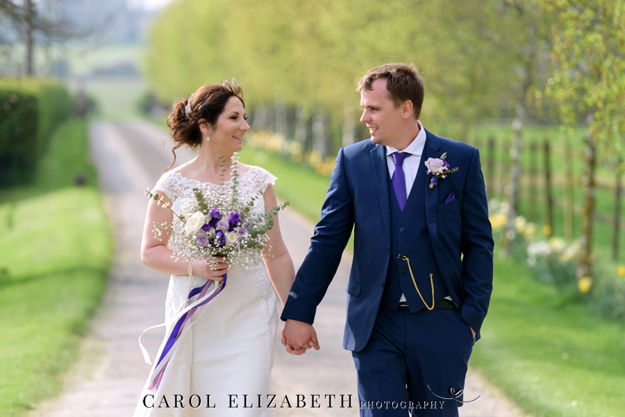 Purple styling and an elegant rustic theme for Fiona and Ashley's Stratton Court Barn Oxfordshire wedding. Images by Carol Elizabeth Photography on English-Wedding.com (34)