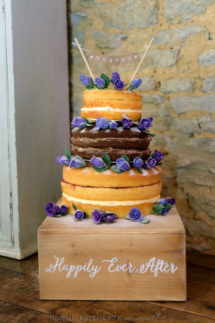 Purple styling and an elegant rustic theme for Fiona and Ashley's Stratton Court Barn Oxfordshire wedding. Images by Carol Elizabeth Photography on English-Wedding.com (38)