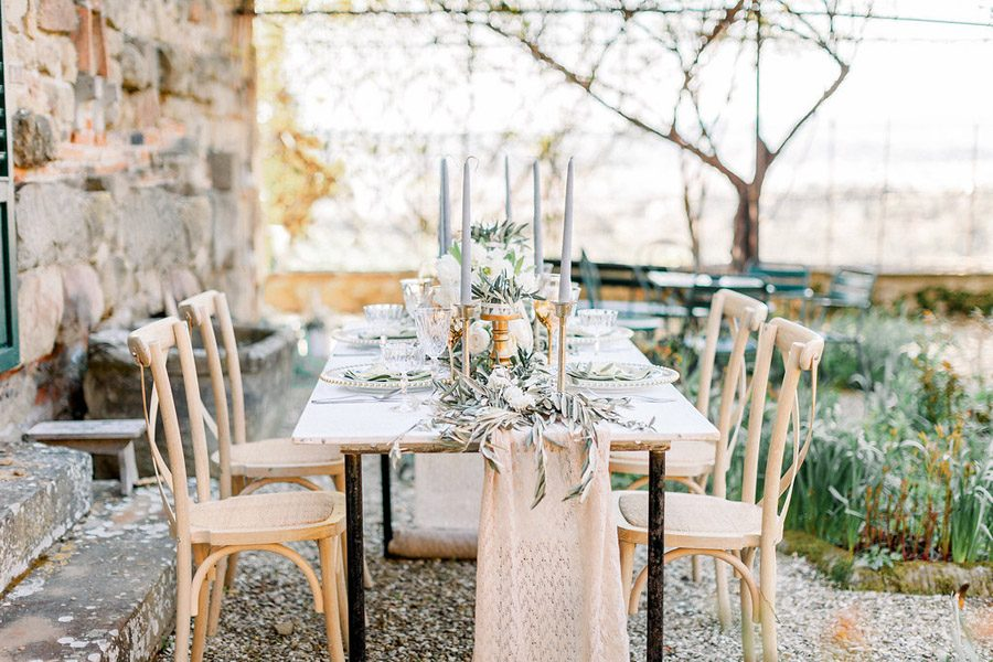 Tuscany Italian wedding ideas styling tips with Sonya Lalla Photography on English-Wedding.com (24)