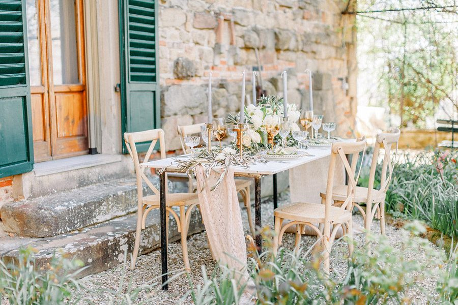 Tuscany Italian wedding ideas styling tips with Sonya Lalla Photography on English-Wedding.com (22)