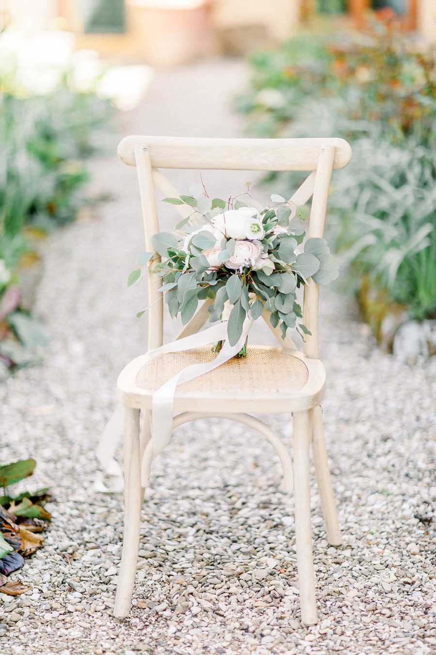 Tuscany Italian wedding ideas styling tips with Sonya Lalla Photography on English-Wedding.com (20)
