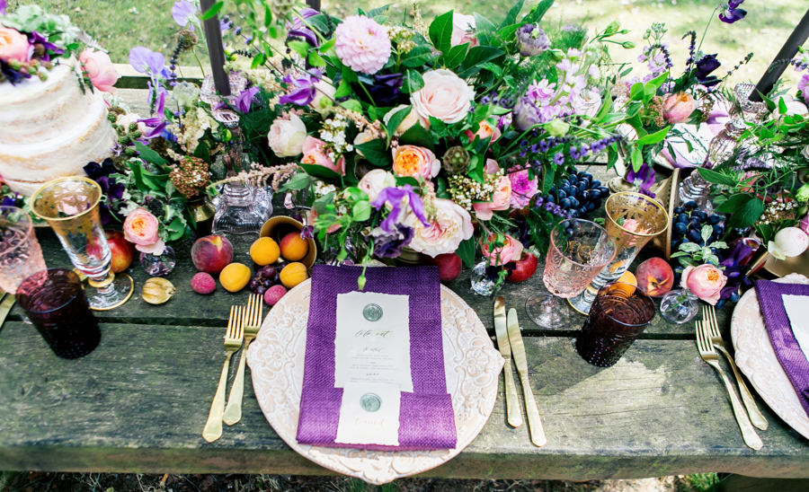 Stunning florals and archway flower surround for a breathtaking wedding style article on English Wedding, image credit Lisa Payne Photography (15)