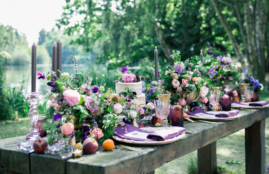 Stunning florals and archway flower surround for a breathtaking wedding style article on English Wedding, image credit Lisa Payne Photography (17)