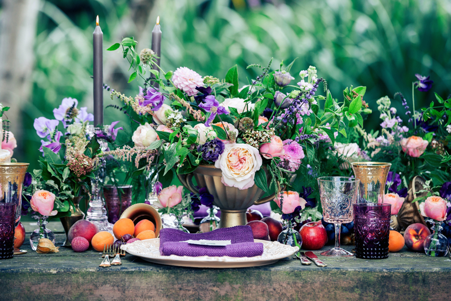 Stunning florals and archway flower surround for a breathtaking wedding style article on English Wedding, image credit Lisa Payne Photography (21)