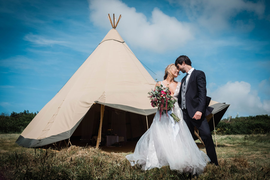 Cornwall festival weddings with Wild Tipi, image by Verity Westcott Photography (21)