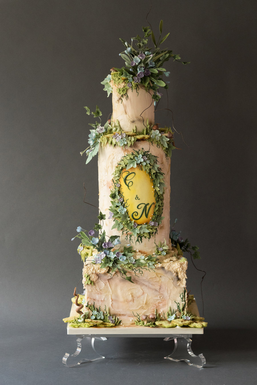 Beautiful wedding cakes by The Frostery - trends and ideas for 2019 (12)