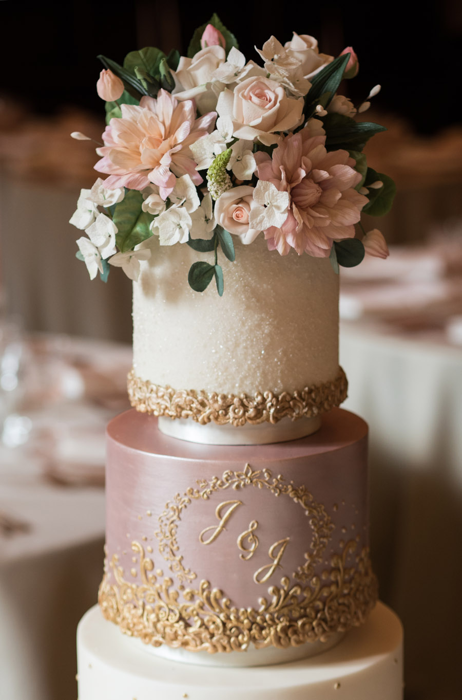 Beautiful wedding cakes by The Frostery - trends and ideas for 2019 (9)