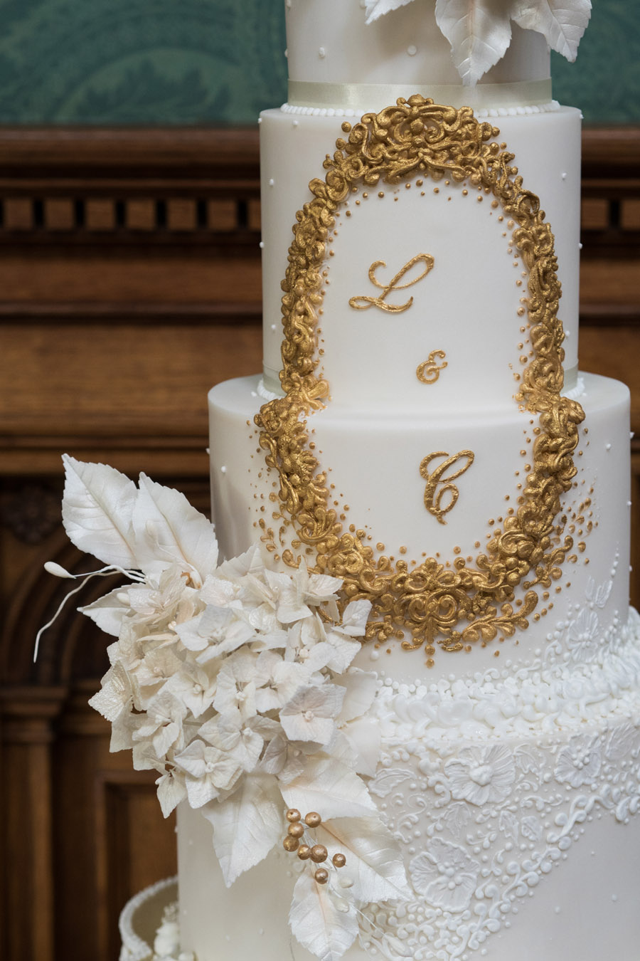 Beautiful wedding cakes by The Frostery - trends and ideas for 2019 (7)