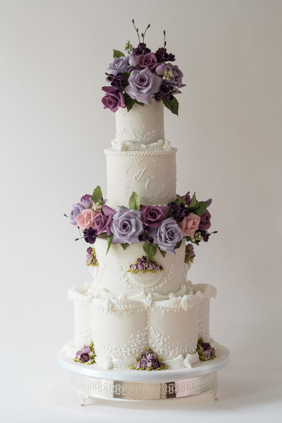 Beautiful wedding cakes by The Frostery - trends and ideas for 2019 (21)