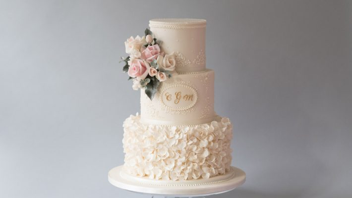 Beautiful wedding cakes by The Frostery - trends and ideas for 2019 (6)