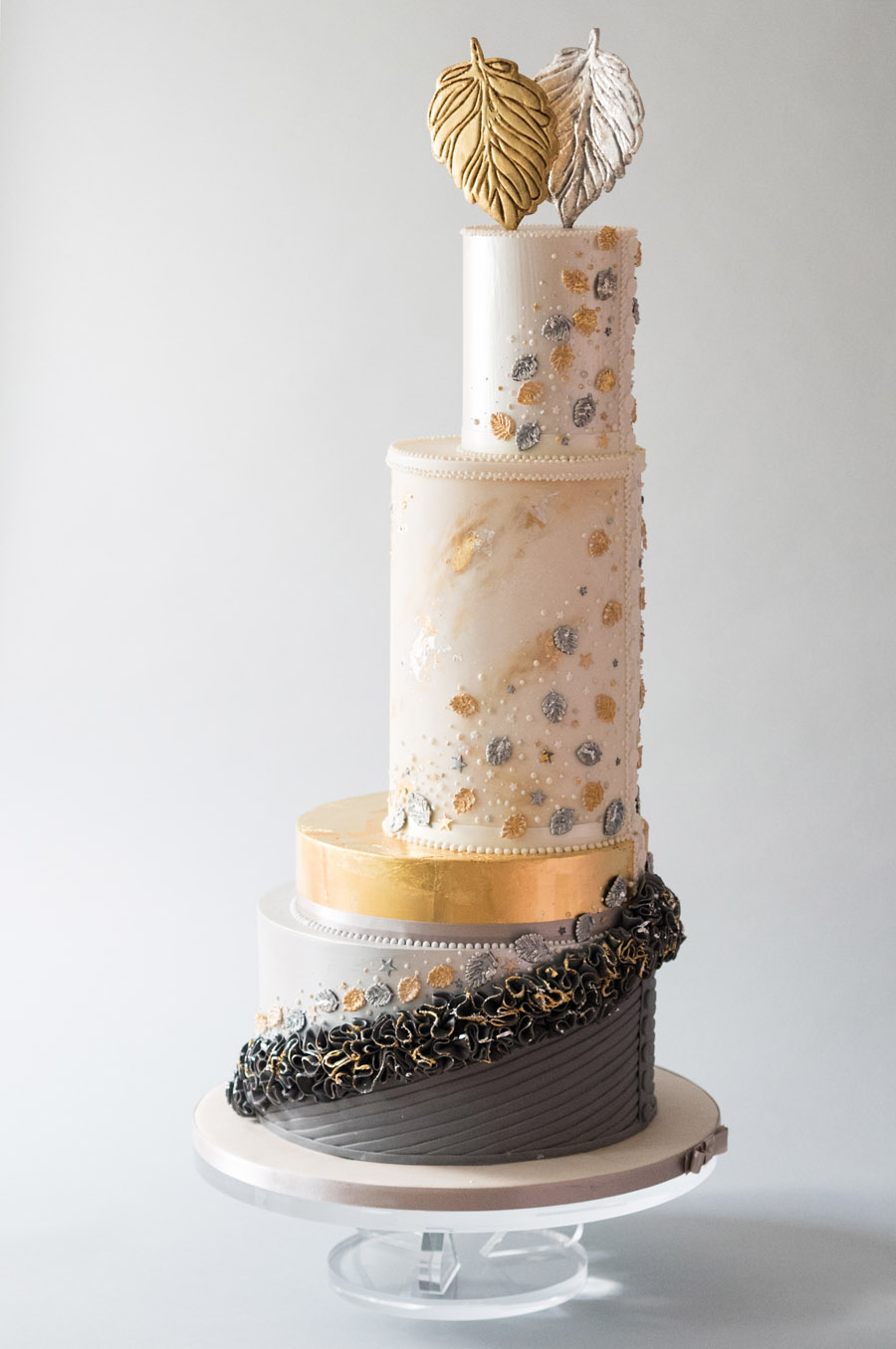 Beautiful wedding cakes by The Frostery - trends and ideas for 2019 (4)