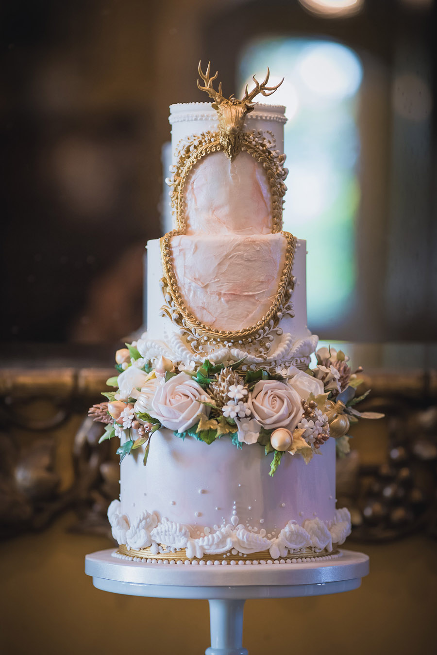Beautiful wedding cakes by The Frostery - trends and ideas for 2019 (14)