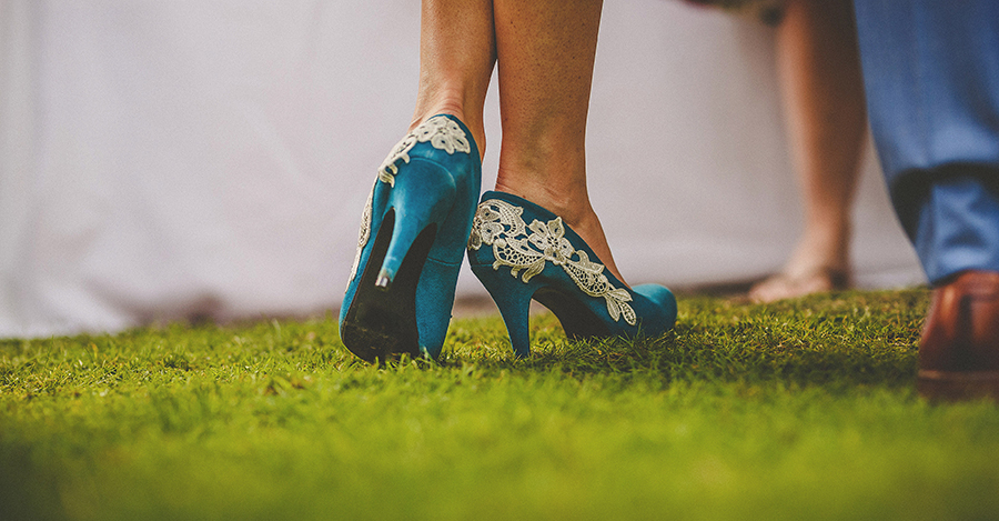 Festival vibes and a gorgeous Devon wedding at Colehayes Park, photo credit Howell Jones Photography (19)