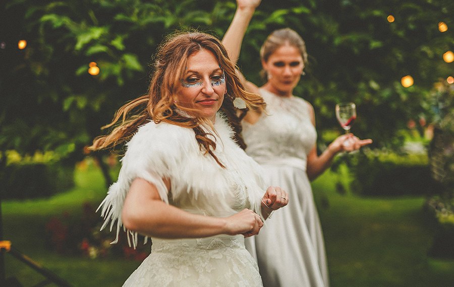 Festival vibes and a gorgeous Devon wedding at Colehayes Park, photo credit Howell Jones Photography (38)