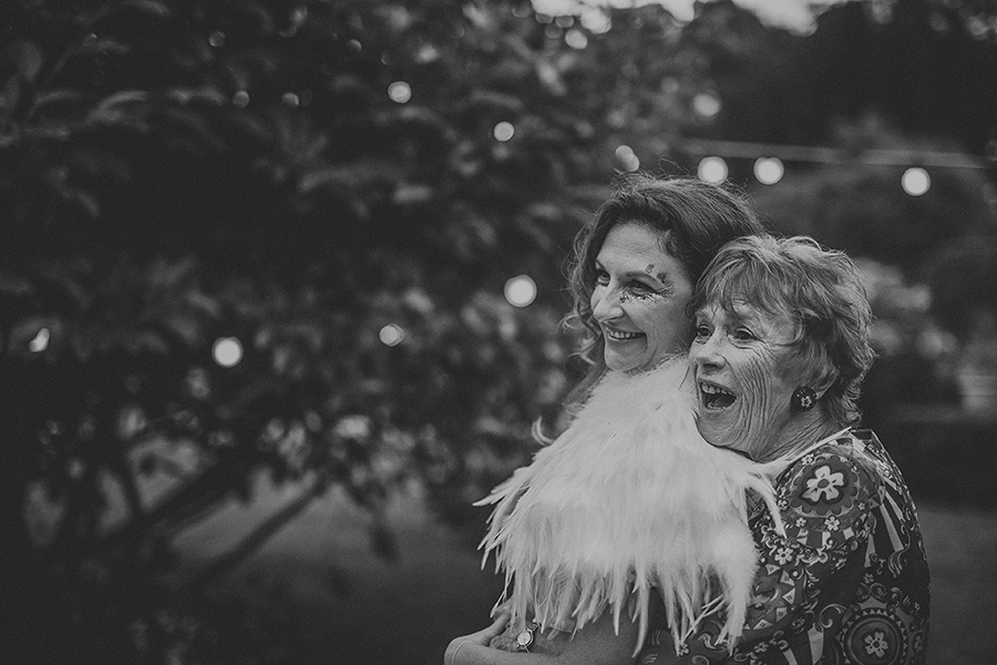 Festival vibes and a gorgeous Devon wedding at Colehayes Park, photo credit Howell Jones Photography (40)