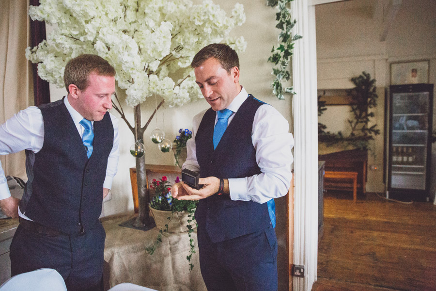 A gorgeous village hall wedding at Dunham Massey, with Jess Yarwood Photography (6)