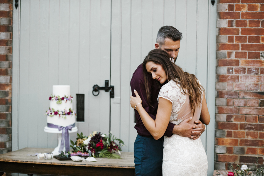 Eco friendly and vegan wedding inspiration with Kiss by Light Photography (10)