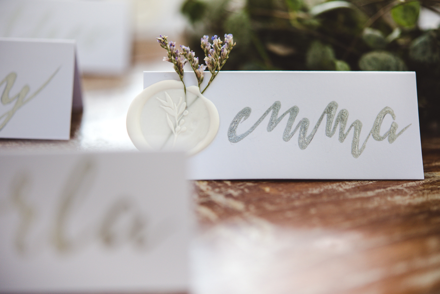 Lush city garden wedding styling ideas on English Wedding, images by Neli Prahova Photography (5)