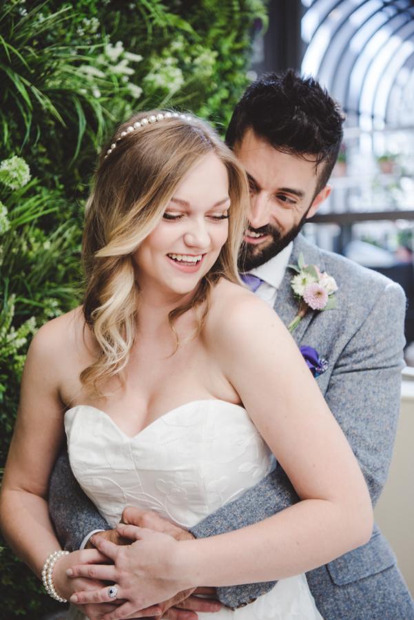 Lush city garden wedding styling ideas on English Wedding, images by Neli Prahova Photography (7)