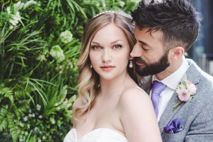 Lush city garden wedding styling ideas on English Wedding, images by Neli Prahova Photography (8)