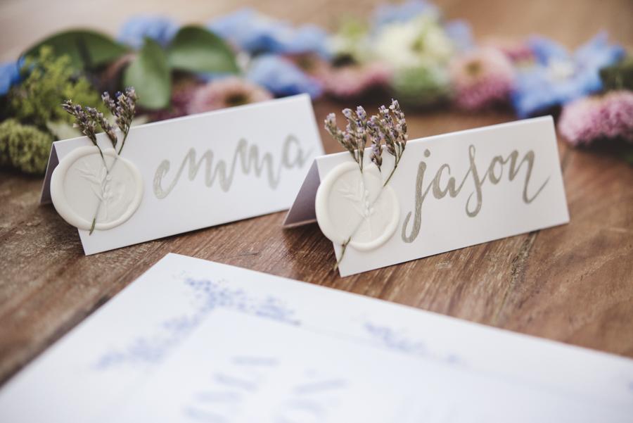 Lush city garden wedding styling ideas on English Wedding, images by Neli Prahova Photography (14)