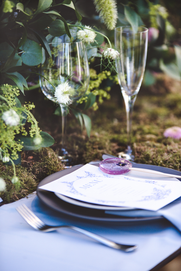 Lush city garden wedding styling ideas on English Wedding, images by Neli Prahova Photography (20)