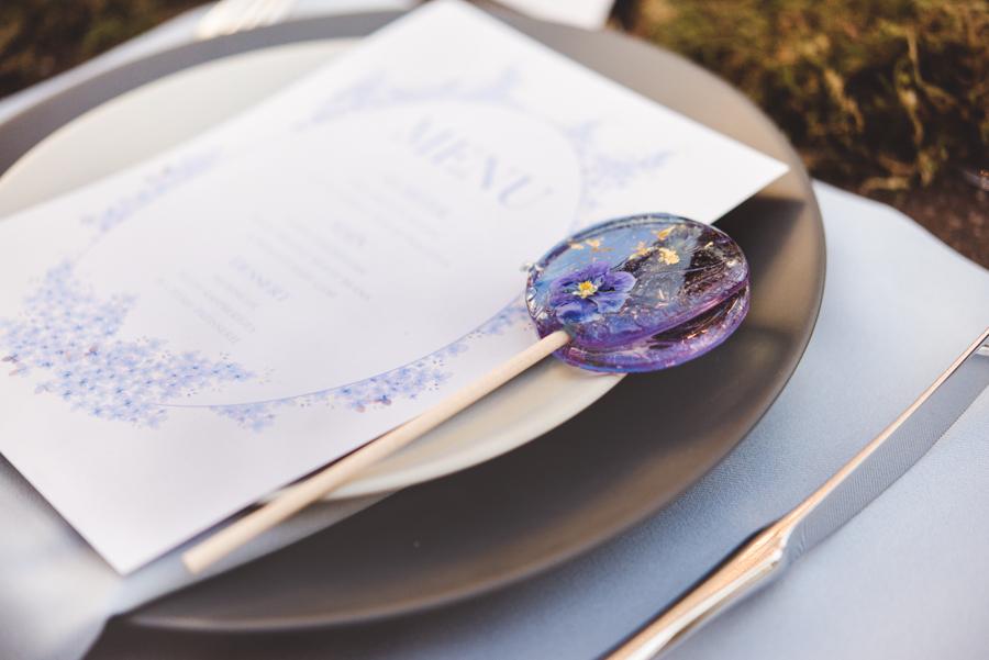 Lush city garden wedding styling ideas on English Wedding, images by Neli Prahova Photography (23)