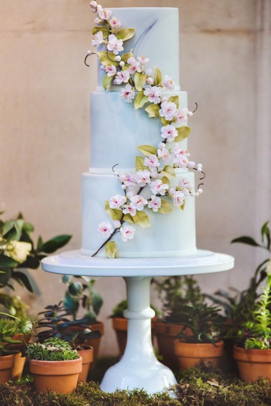 Lush city garden wedding styling ideas on English Wedding, images by Neli Prahova Photography (26)