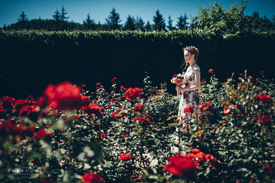 English garden wedding inspiration with hundreds of roses, images by Toby Lowe Photography (2)