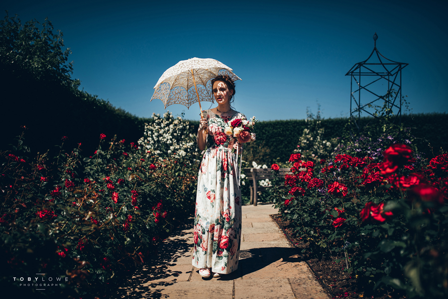 English garden wedding inspiration with hundreds of roses, images by Toby Lowe Photography (5)