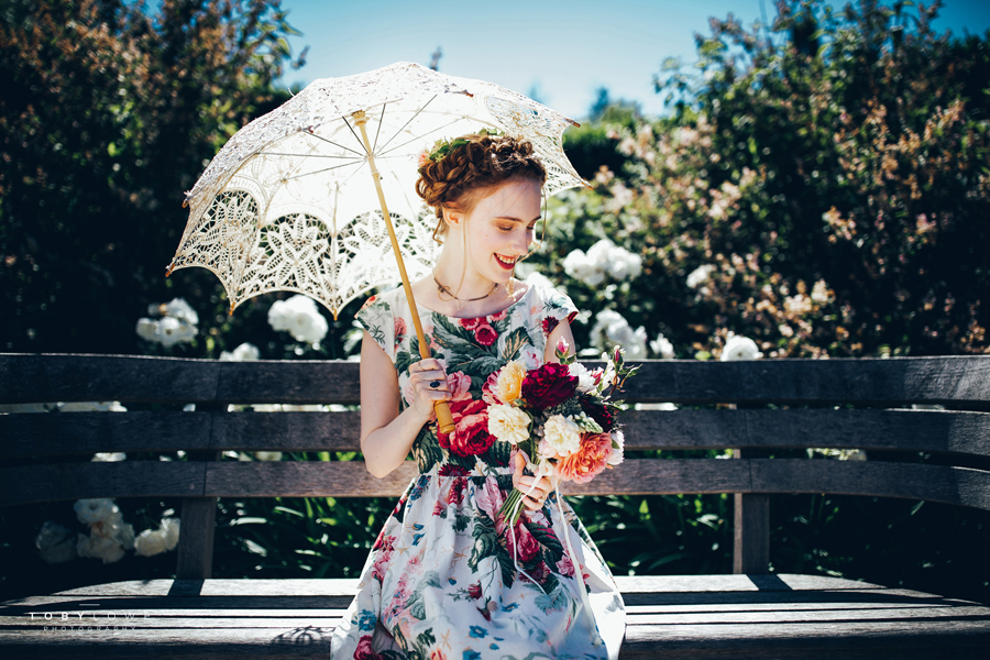 English garden wedding inspiration with hundreds of roses, images by Toby Lowe Photography (7)