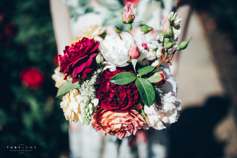 English garden wedding inspiration with hundreds of roses, images by Toby Lowe Photography (11)