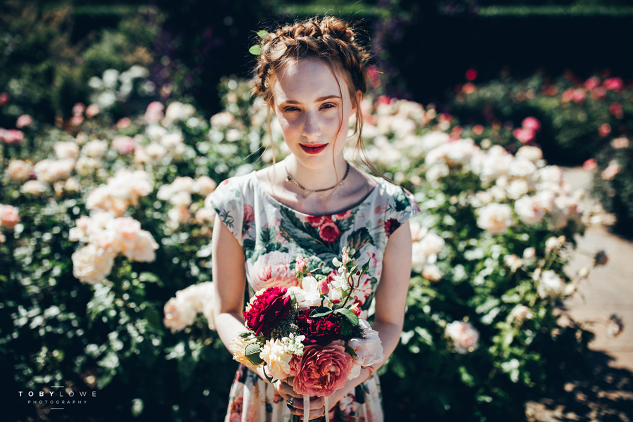 English garden wedding inspiration with hundreds of roses, images by Toby Lowe Photography (12)