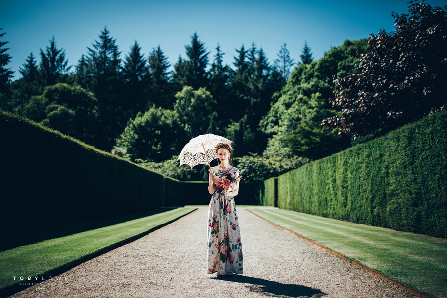 English garden wedding inspiration with hundreds of roses, images by Toby Lowe Photography (16)