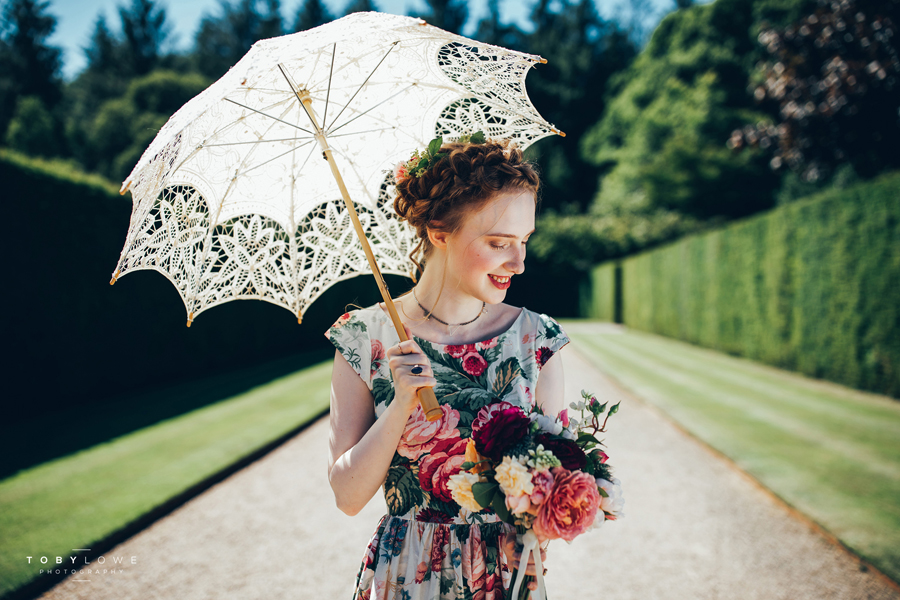 English garden wedding inspiration with hundreds of roses, images by Toby Lowe Photography (18)