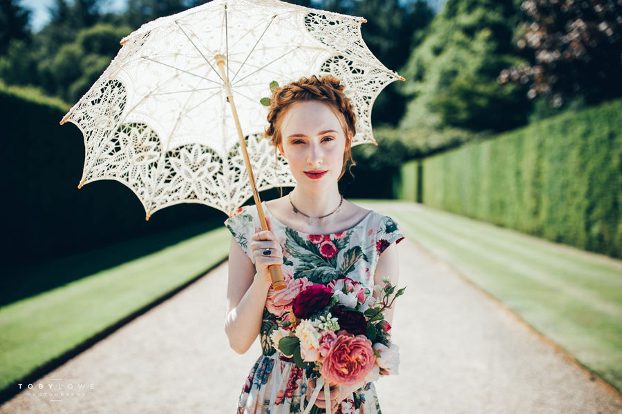 English garden wedding inspiration with hundreds of roses, images by Toby Lowe Photography (19)