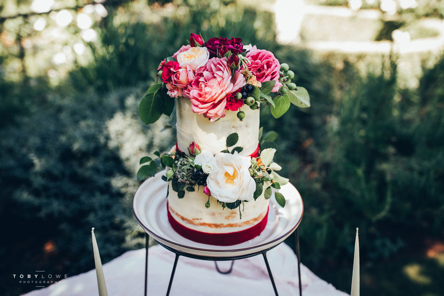 English garden wedding inspiration with hundreds of roses, images by Toby Lowe Photography (23)