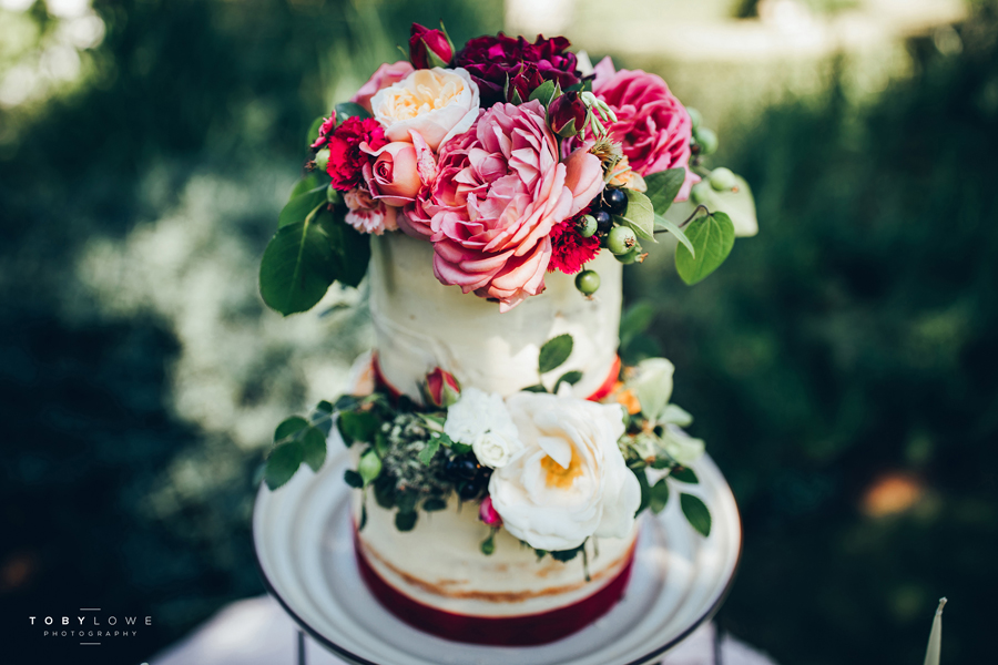 English garden wedding inspiration with hundreds of roses, images by Toby Lowe Photography (25)