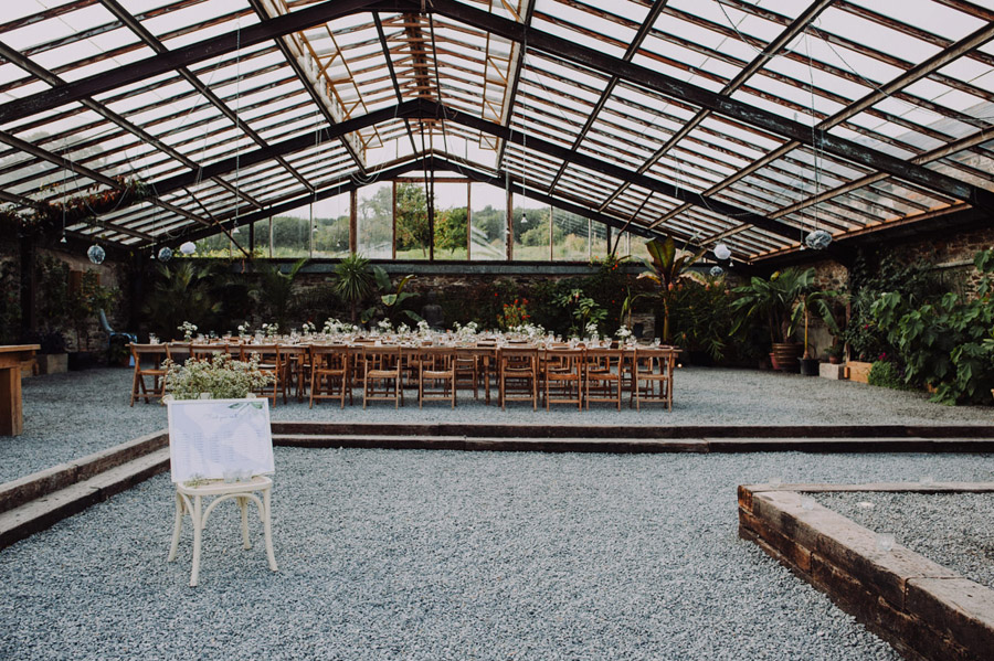 A relaxed botanical vibe for an Anran wedding in Devon, photo credit Special Day Wedding Photos (4)