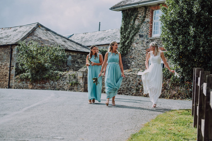 A relaxed botanical vibe for an Anran wedding in Devon, photo credit Special Day Wedding Photos (16)