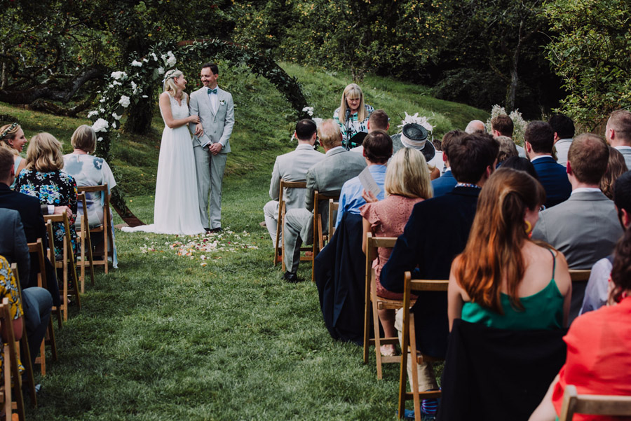 A relaxed botanical vibe for an Anran wedding in Devon, photo credit Special Day Wedding Photos (21)
