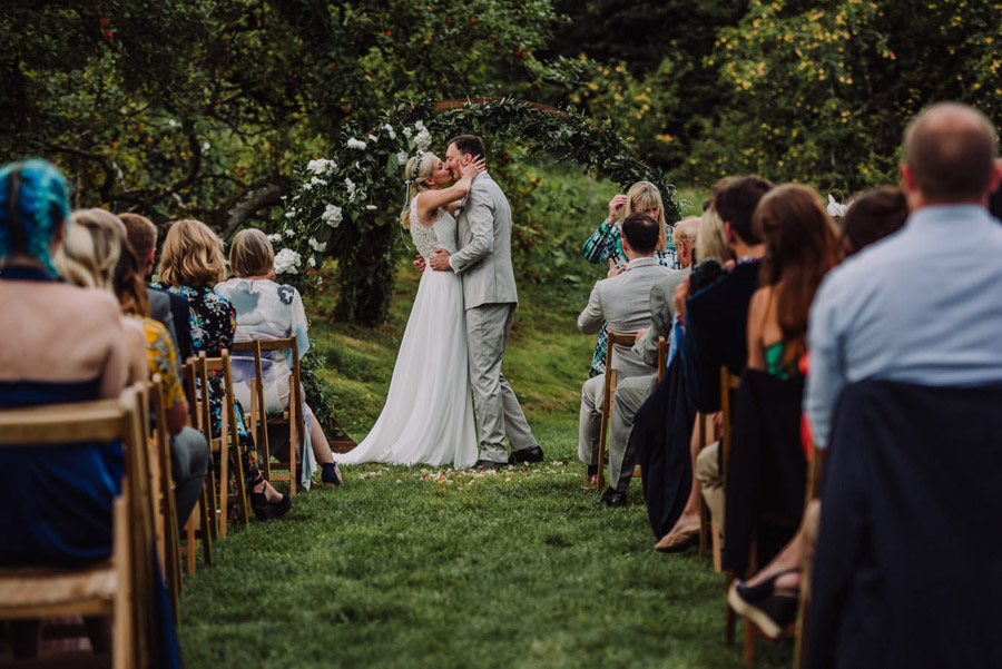 A relaxed botanical vibe for an Anran wedding in Devon, photo credit Special Day Wedding Photos (22)