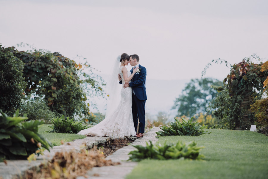 Gorgeously elegant real wedding style at Hestercombe, photo credit Special Day Wedding Photos (28)