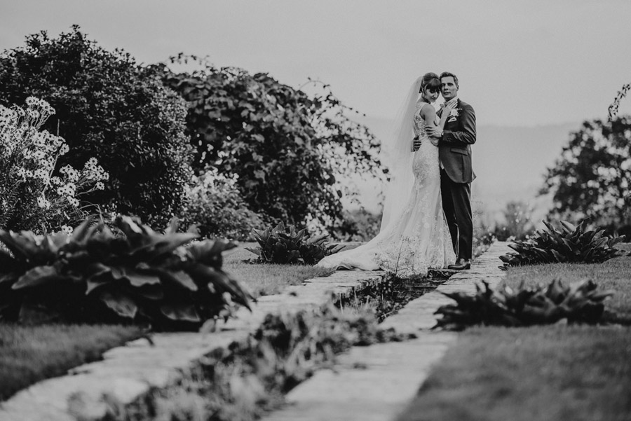 Gorgeously elegant real wedding style at Hestercombe, photo credit Special Day Wedding Photos (29)