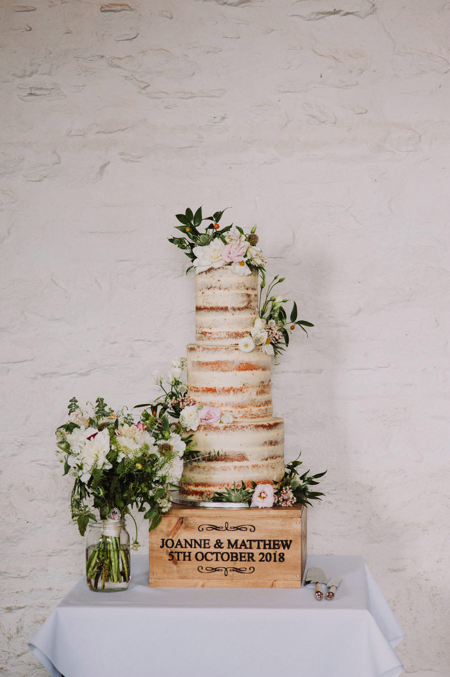 Gorgeously elegant real wedding style at Hestercombe, photo credit Special Day Wedding Photos (33)