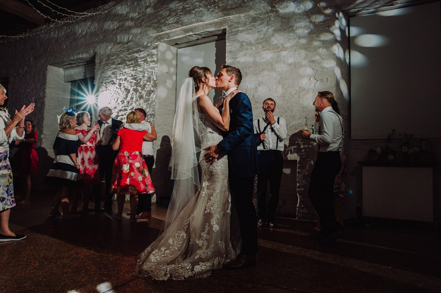 Gorgeously elegant real wedding style at Hestercombe, photo credit Special Day Wedding Photos (40)